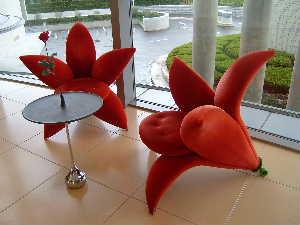 花の椅子.JPG
